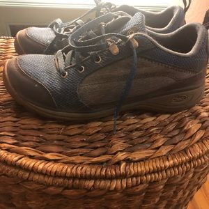 Chaco Shoes - Chacos hiking shoe